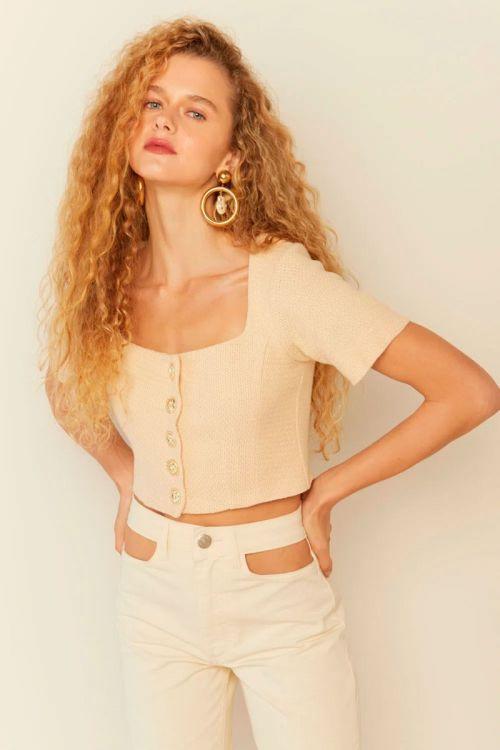 Casaqueto Cropped Tweed Sofia Bege Creme - Le Blog