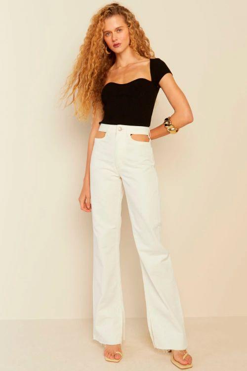 Calça Wide Leg Recortes Sarja Ingrid Off White - Le Blog