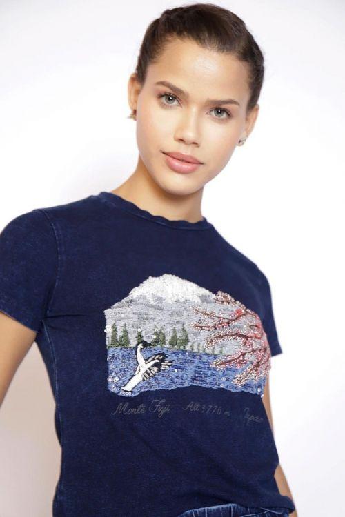 T-Shirt Denim Bordada Monte Fuji - Fabiana Milazzo