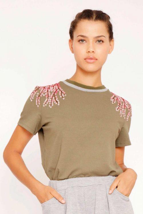T-Shirt Bordada Flores de Cerejeira Verde Selva - Fabiana Milazzo