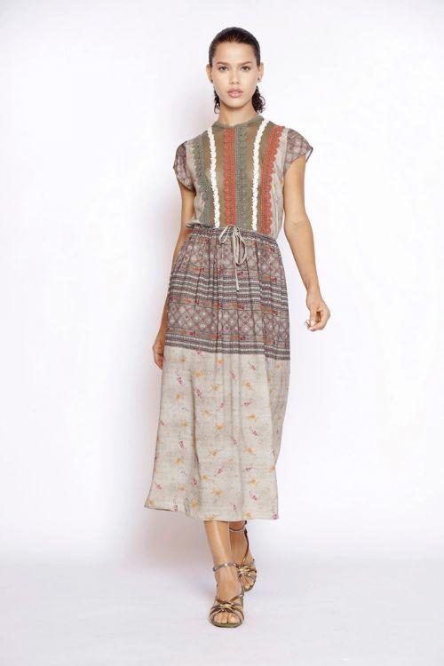 Vestido Midi Estampado Liberty Floral com Patchwork de Rendas