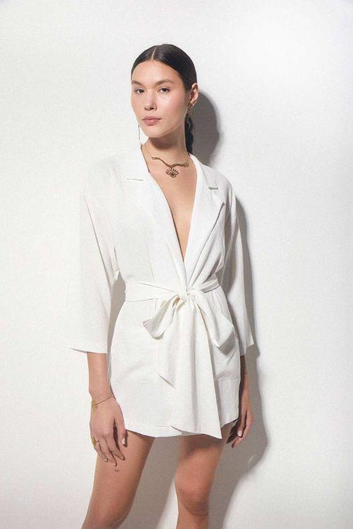 Camisa Kimono em Linho com Faixa Off White - Hype