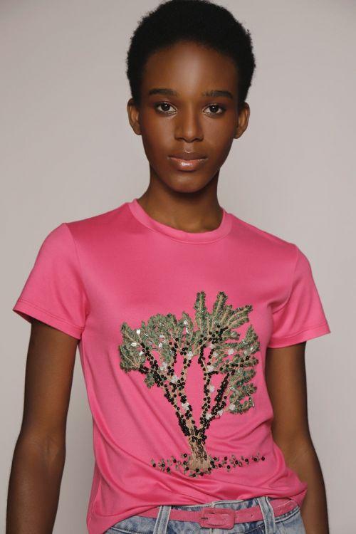 T-Shirt Gola Redonda Bordado Jaboticaba Pink Pitaia - Fabiana Milazzo