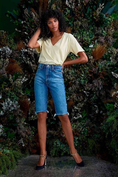 T-Shirt Decote V em Algodão Johanna Amarelo Manteiga - NV